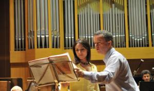 Peter Fender rehearsing Rachmaninov's Vocalise with Honey Rouhani.
